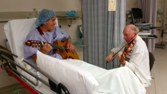 Musical Medicine: California surgeon plays duets with patient before surgery