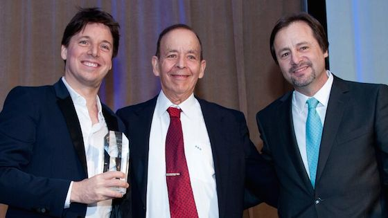 Joshua Bell Accepts Dushkin Award from the Music Institute of Chicago