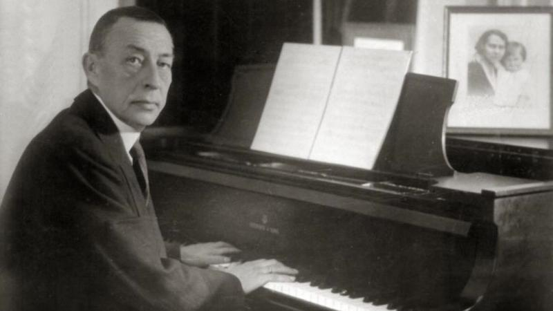 Do violinists find Rachmaninov's Piano Concerto No. 2 lowbrow?