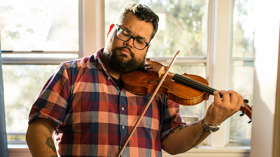 LA Phil Violinist Vijay Gupta Named 2018 MacArthur Foundation 'Genius' Grant Winner