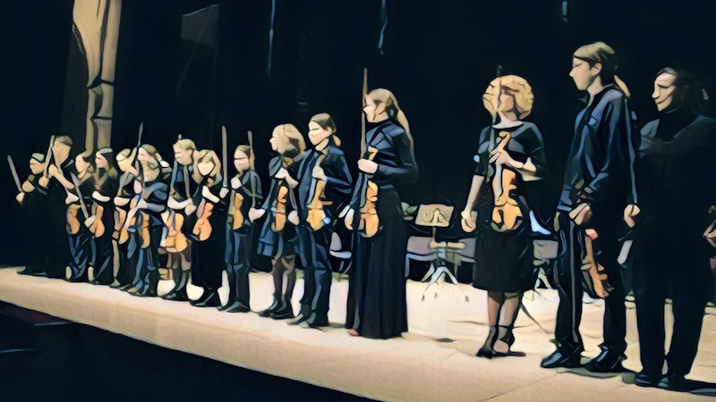 Playing Together: the Benefits of Group for Learning Violin