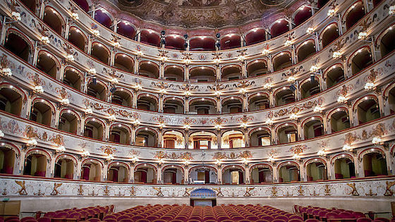 Teatro-Abbado-Ferrara.jpg