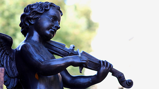 dreamy angel violinist analyzing technique