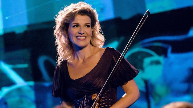 Anne-Sophie Mutter Stops Concert to Call Out Cell Phone User