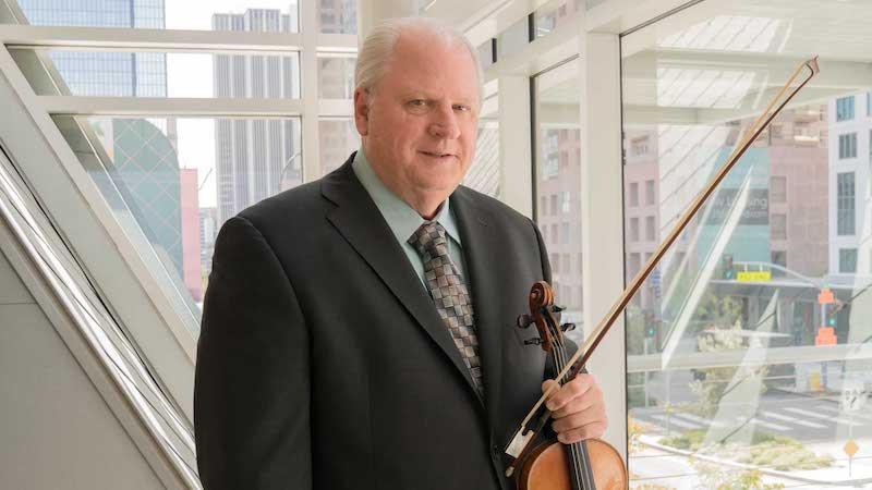 Pandemic Challenges: Colburn Violin Teacher Robert Lipsett Pushes for Excellence Online