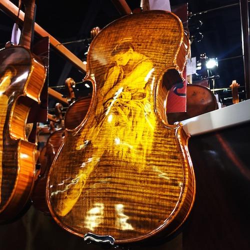 Gliga decorative fiddle
