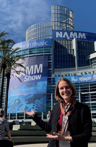 Laurie Niles at NAMM 2019