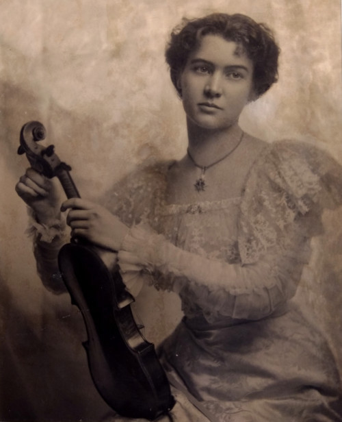 Leonora Jackson