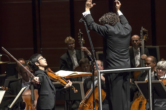 Rennosuke Fukuda plays with the Cleveland Orchestra