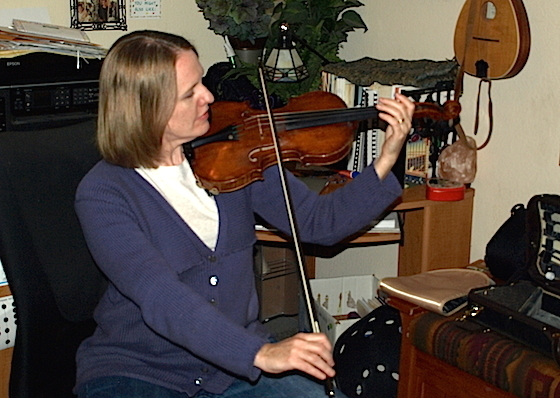 Laurie's Violin School: Two Simple Exercises for Playing