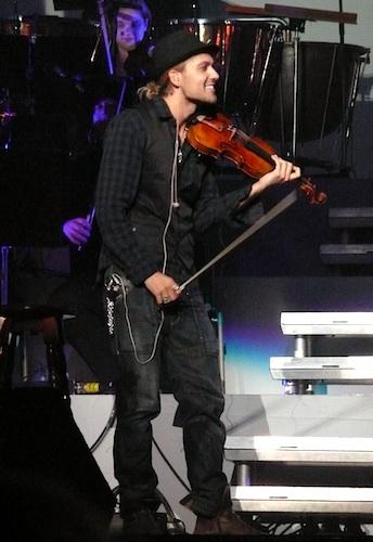 http://www.violinist.com/blog/laurie/david-garrett-concert.jpg