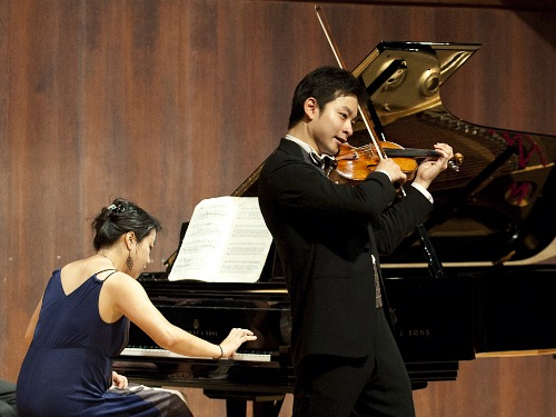 Violinist Ryu Goto and pianist  Jiayi Shi