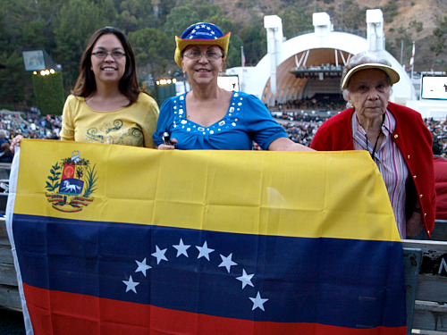 Three generations of Venezuelan music fans
