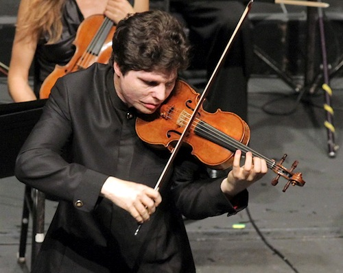 Augustin Hadelich performing Beethoven with the Los Angeles Chamber Orchestra